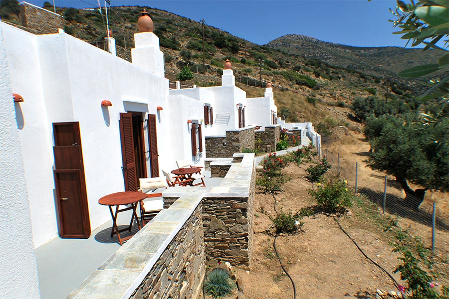 Mirsini apartments at Sifnos